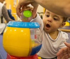 Pacientes durante sessões da fisioterapia infantil - 3
